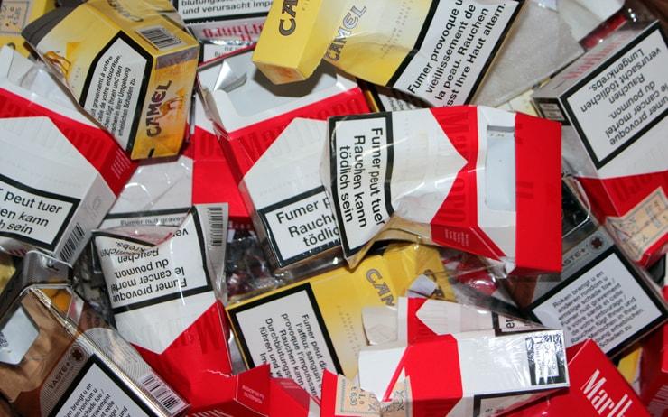 leere Packungen Zigaretten