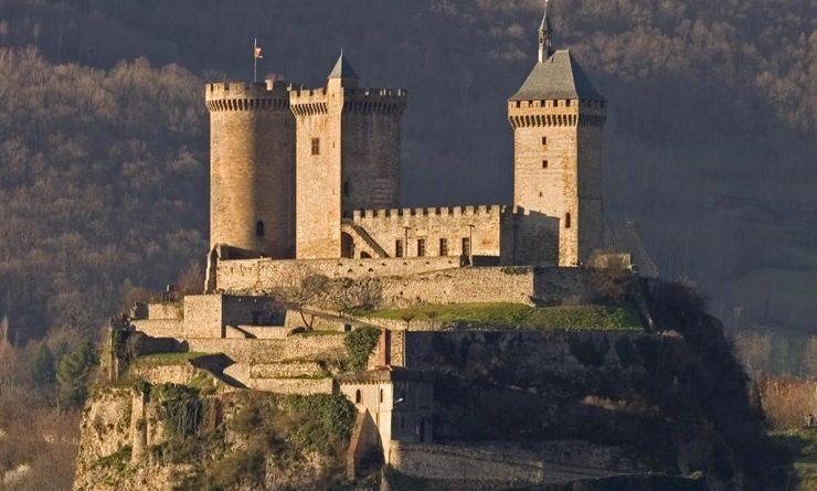 Top 10 gut erhaltene mittelalterliche Burgen in Frankreich